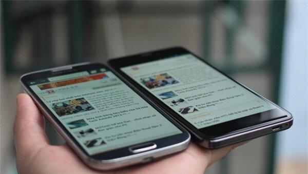 Q-Smart Dream SI đọ màn hình cùng Samsung Galaxy S4 7
