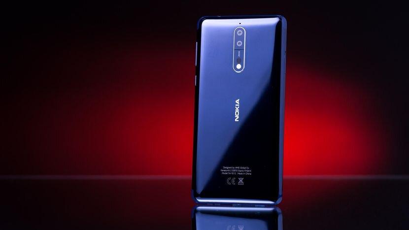 Mặt sau Nokia 8