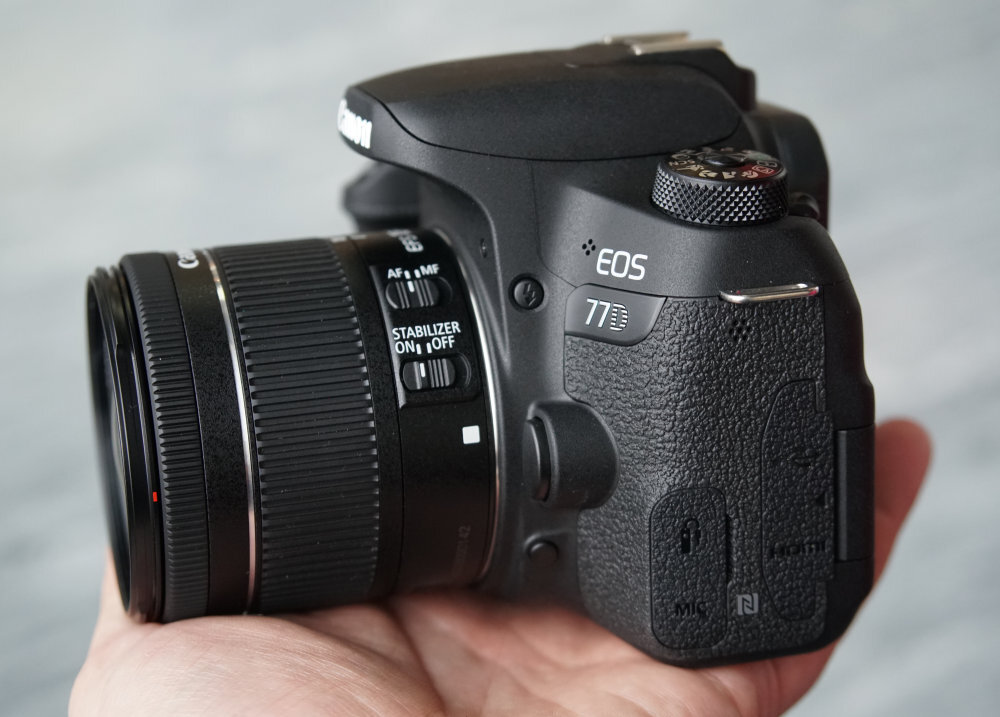 Canon 77D sử dụng khá dễ dàng và thuận tiện