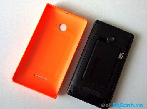 Pin của Lumia 435 có thể tháo rời