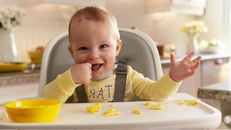Bánh ăn dặm vừa cung cấp dinh dưỡng vừa rèn luyện kỹ năng nhai nuốt cho bé