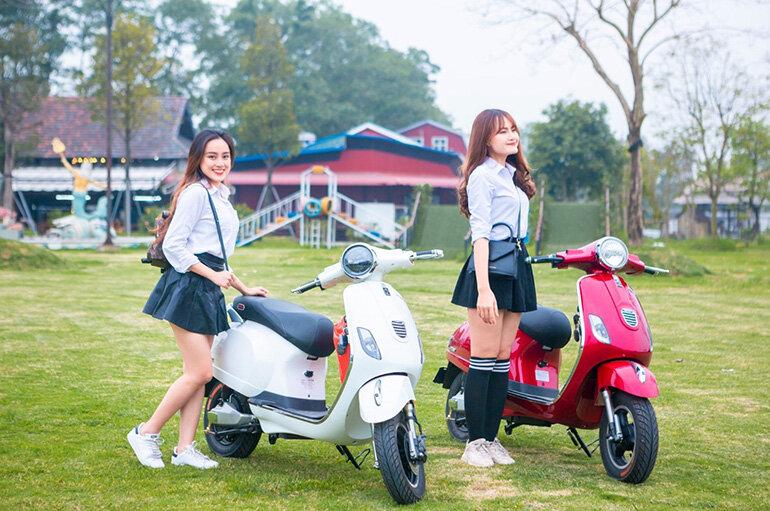 Xe máy điện chính hãng Dibao Vespa Pansy đồng hồ điện tử càng đúc