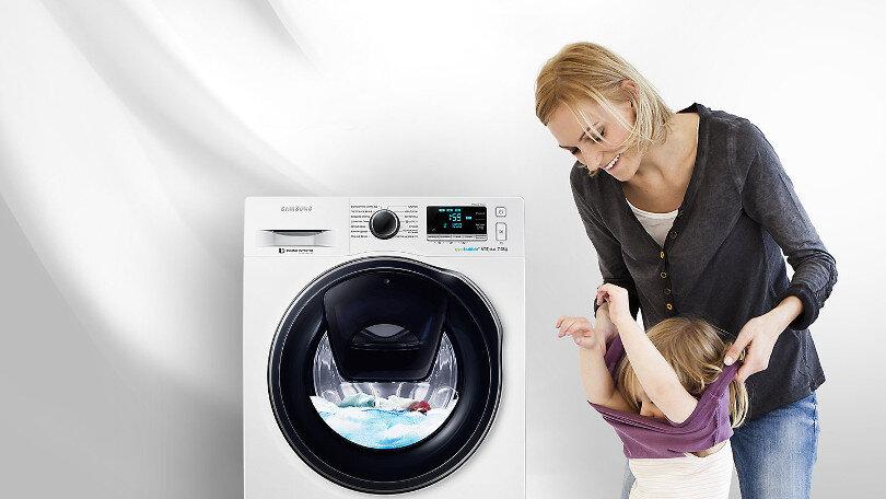 Máy giặt cửa trước Samsung