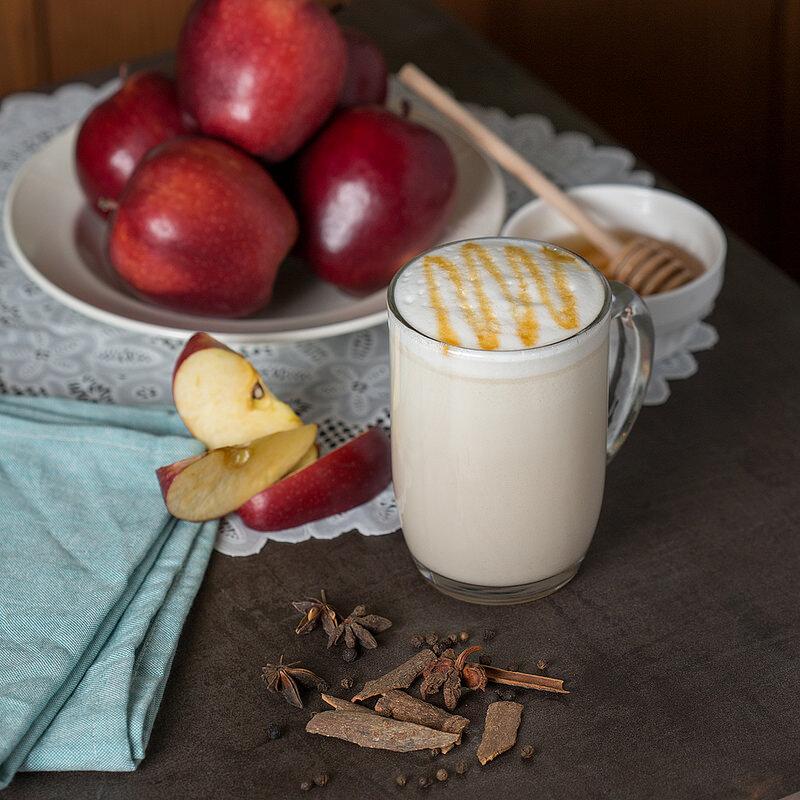 Trà giải nhiệt từ táo kết hợp với mật ong (Nguồn: c6.staticflickr.com)