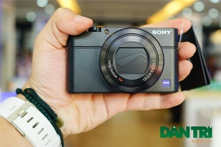 Đập hộp Sony Cyber-Shot RX100 III chính hãng tại Việt Nam