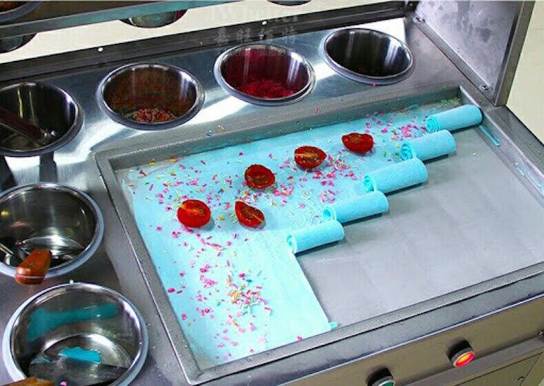 Đặc điểm cấu tạo của bàn làm kem cuộn