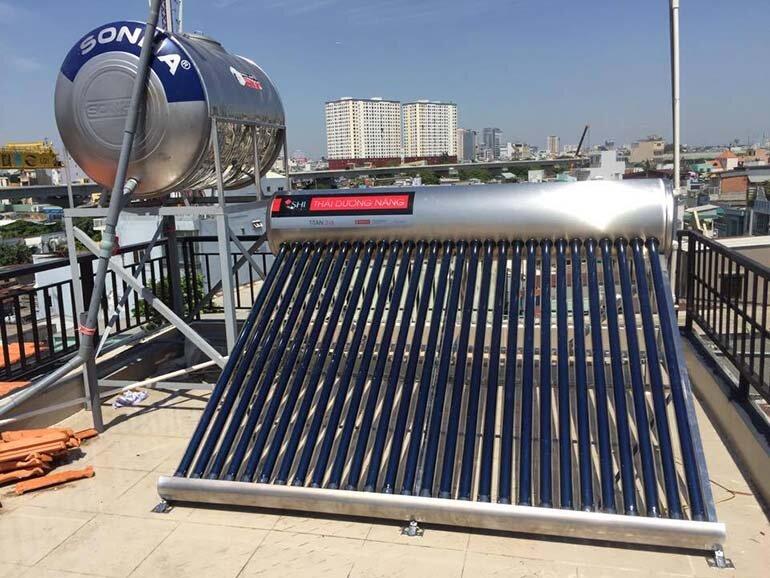 bình nước nóng năng lượng mặt trời sơn hà