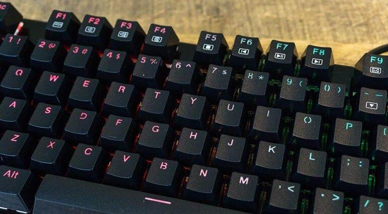bàn phím redragon k556