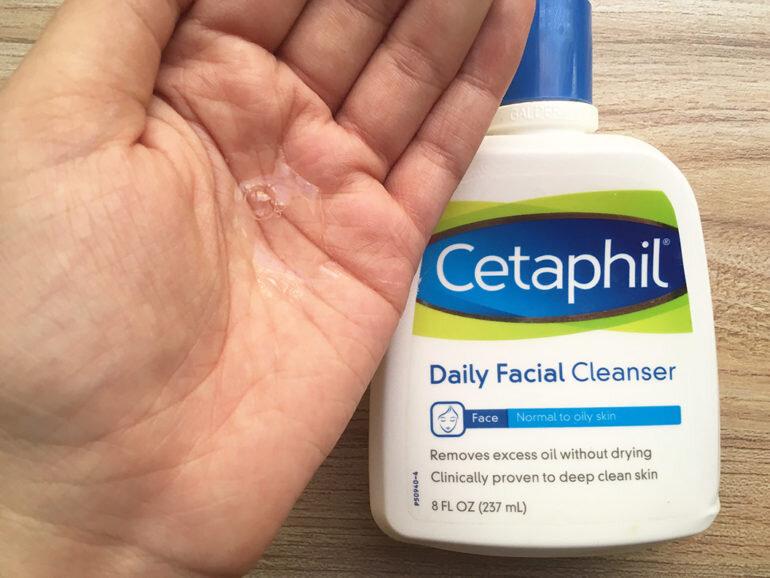 sữa rửa mặt tốt cho da dầu mụn cetaphil