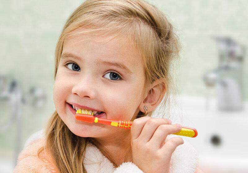 Chọn kem đánh răng ít bọt cho trẻ