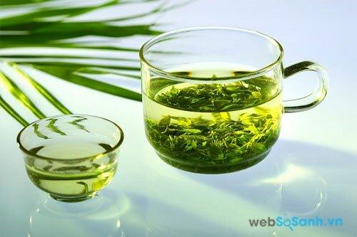 trà xanh không chỉ giúp đốt cháy mỡ thừa mà còn có tác dụng chống lại tình trạng lão hóa làn da