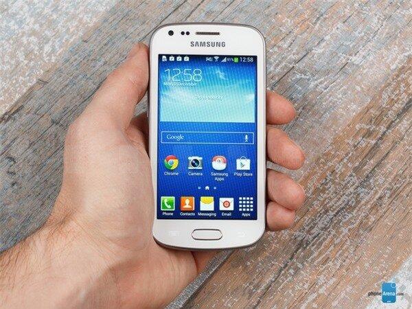 Những smartphone phổ thông hấp dẫn dịp cuối năm 1
