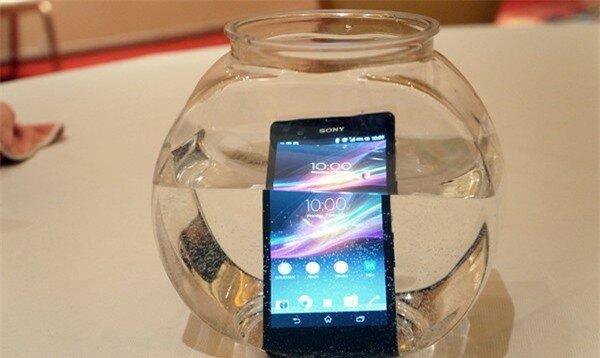 Điểm mặt 10 smartphone đột ph� nhất năm 2013 8