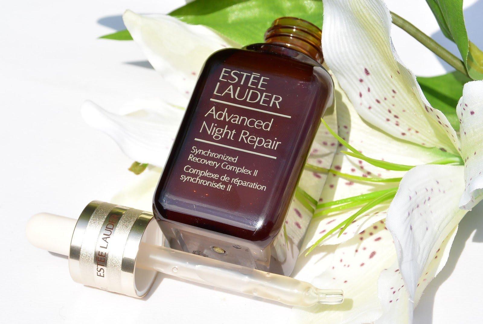 Kết hợp serum Estee Lauder Advanced Night repair và kem dưỡng da sẽ cho hiệu quả sử dụng ưu việt hơn
