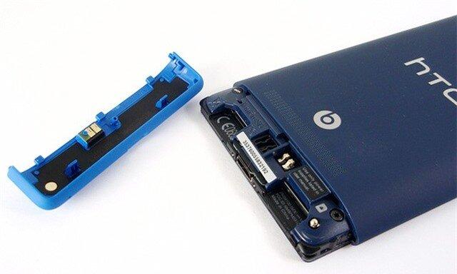 Với 8S, bạn có thể thay SIM không cần tháo pin như 520