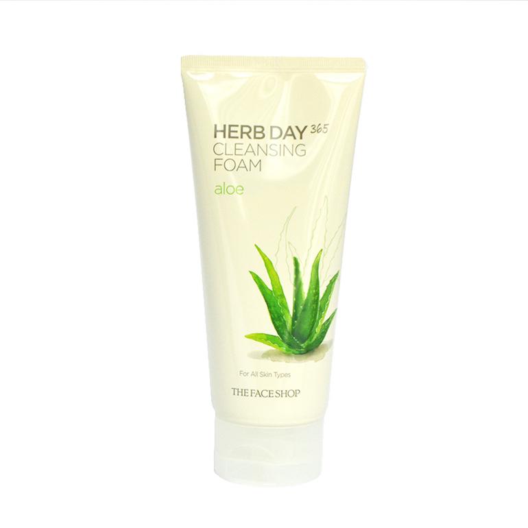 Sữa rửa mặt Herb Day 365 Aloe Cleansing Foam