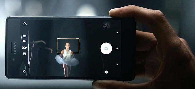 Đối thủ số 3:Sony Xperia X Performance