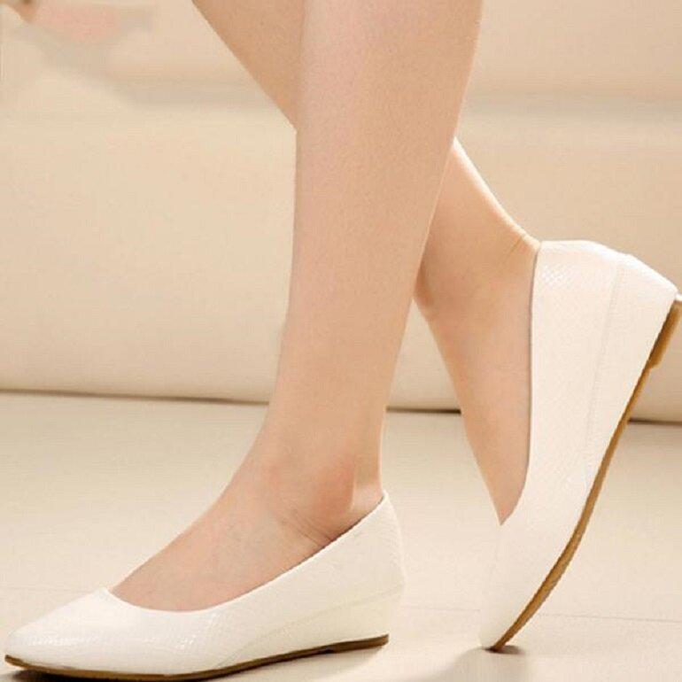giày búp bê đế trắng cao gót