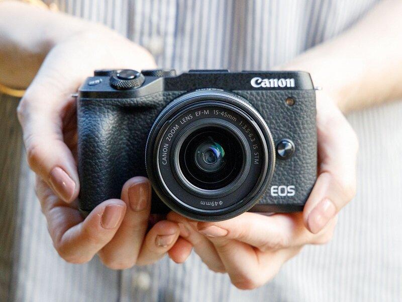 Mirrorless Canon EOS M6