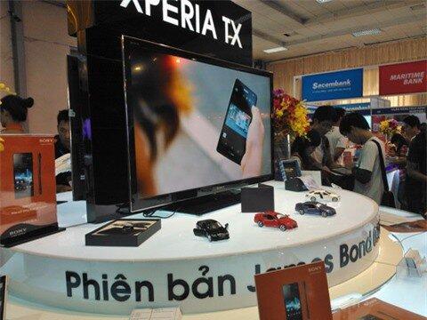 Người dùng nên hỏi rõ người bán về việc TV có được tích hợp sẵn DVB-T2 hay không trước khi mua. Ảnh: Trọng Cầm