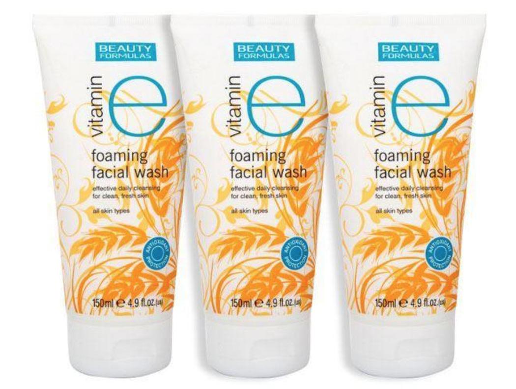 Sữa rửa mặt Vitamin E Beauty Formulas Vitamin E Foaming
