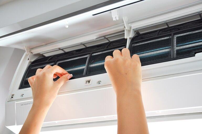 cách vệ sinh điều hòa tại nhà