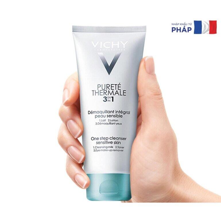Sữa rửa mặt Vichy 3 in 1 Purete Thermale One Step Cleanser - Giá tham khảo: 287.000 vnđ/ chai dung tích 100ml