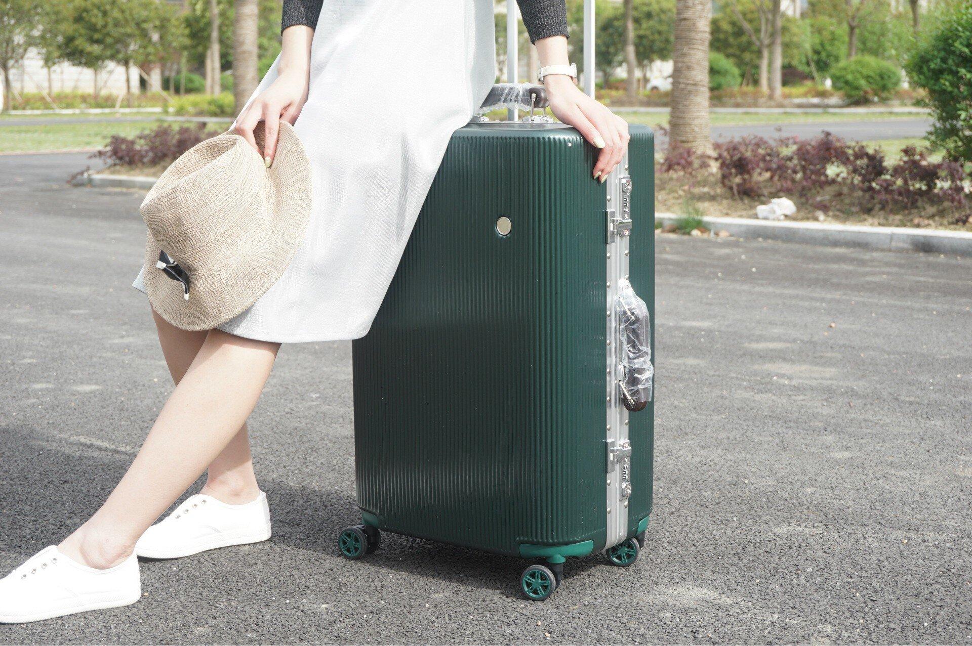 Độ bền của vali nhựa hỗ trợ bạn nhiều hơn trong những chuyến du lịch