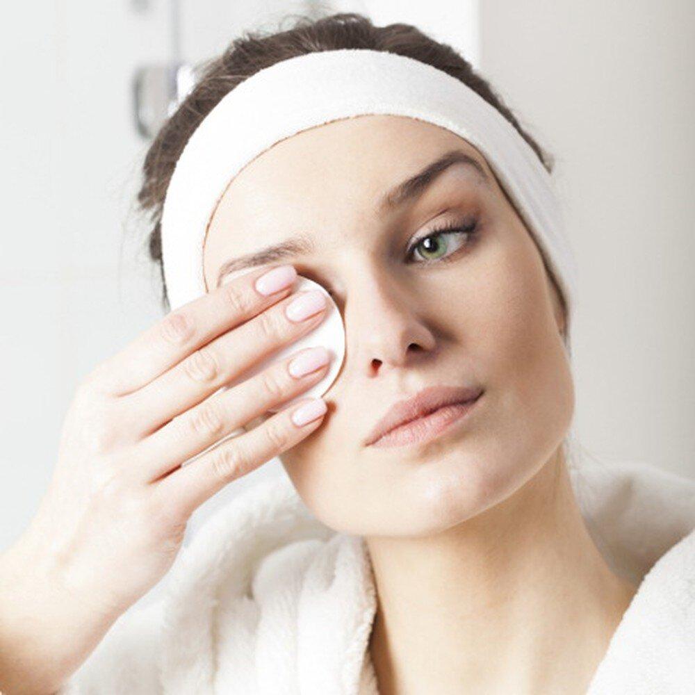 Tẩy trang để giúp da thông thoáng và sạch sẽ hơn