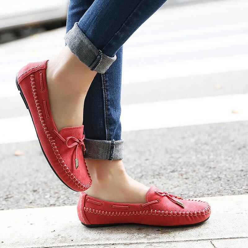 Những mẫu Slip on nữ đế bệt đang là sự lựa chọn hàng đầu của các cô nàng thích thời trang đơn giản, tiện lợi