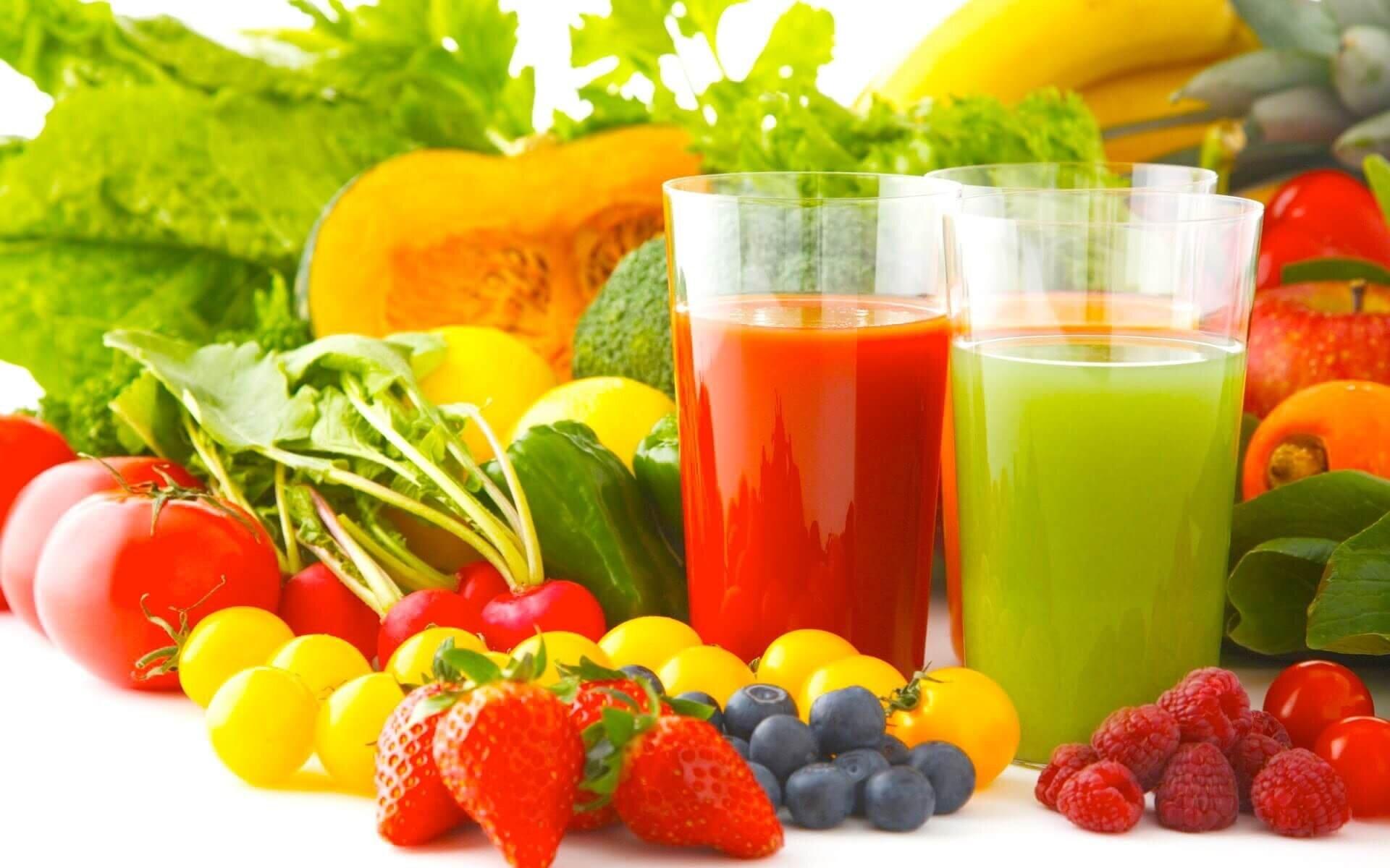 Bổ sung thêm hoa quả và rau củ để cung cấp vitamin và chất xơ cho bé
