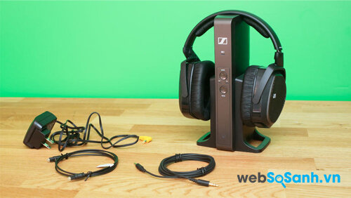 Bộ tai nghe RS 175 RF cùng các dây nối đi kèm