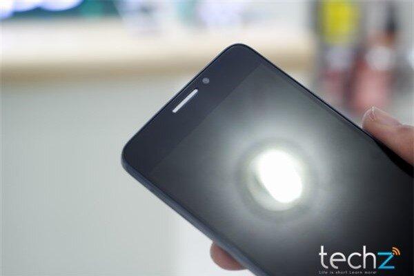 Trên tay Alcatel One Touch Idol: Lựa chọn tầm trung sáng giá-image-1385547233735