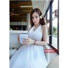 Đầm maxi trắng đi biển