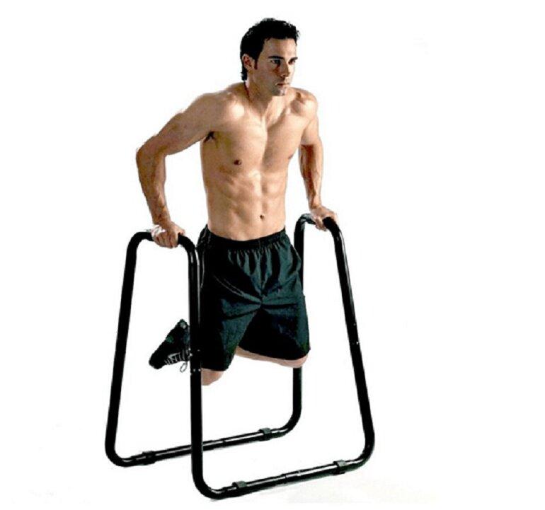 Tập luyện xà kép không chỉ giúp phát triển cơ bắp mà còn hỗ trợ tăng chiều cao rất hiệu quả