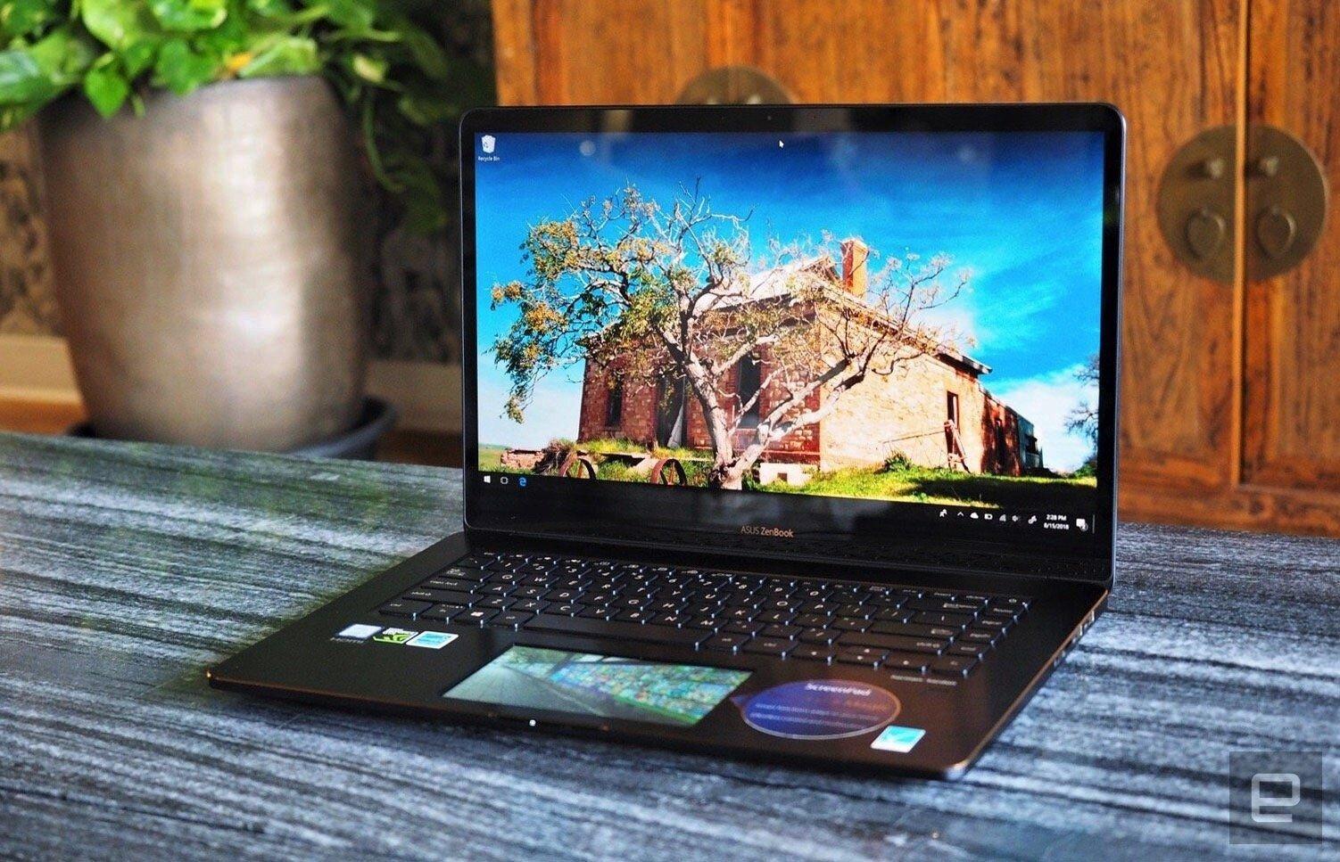Laptop Asus ZenBook Pro 15 được trang bị ScreenPad