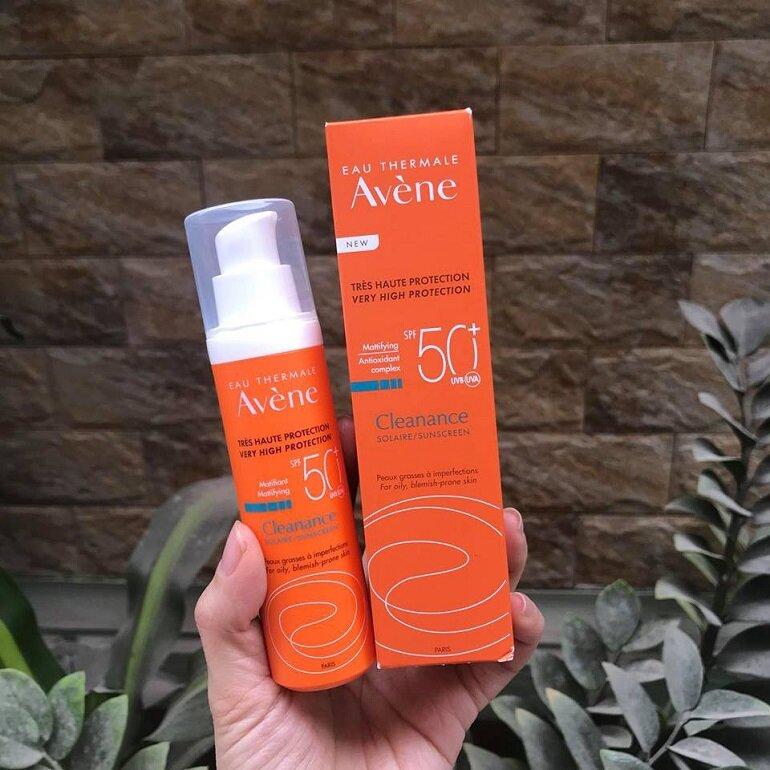 Kem chống nắng Avène Cleanance Solaire SPF 50+ dành cho da dầu