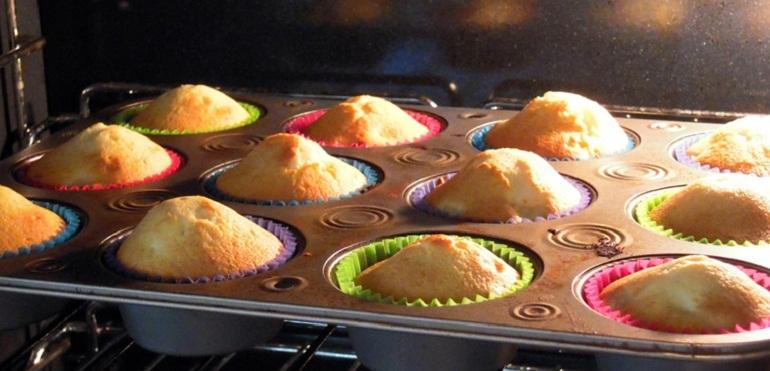 Nên nướng bánh chín già để bánh thơm ngon hơn