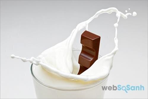 Không kết hợp sữa công thức với sô cô la