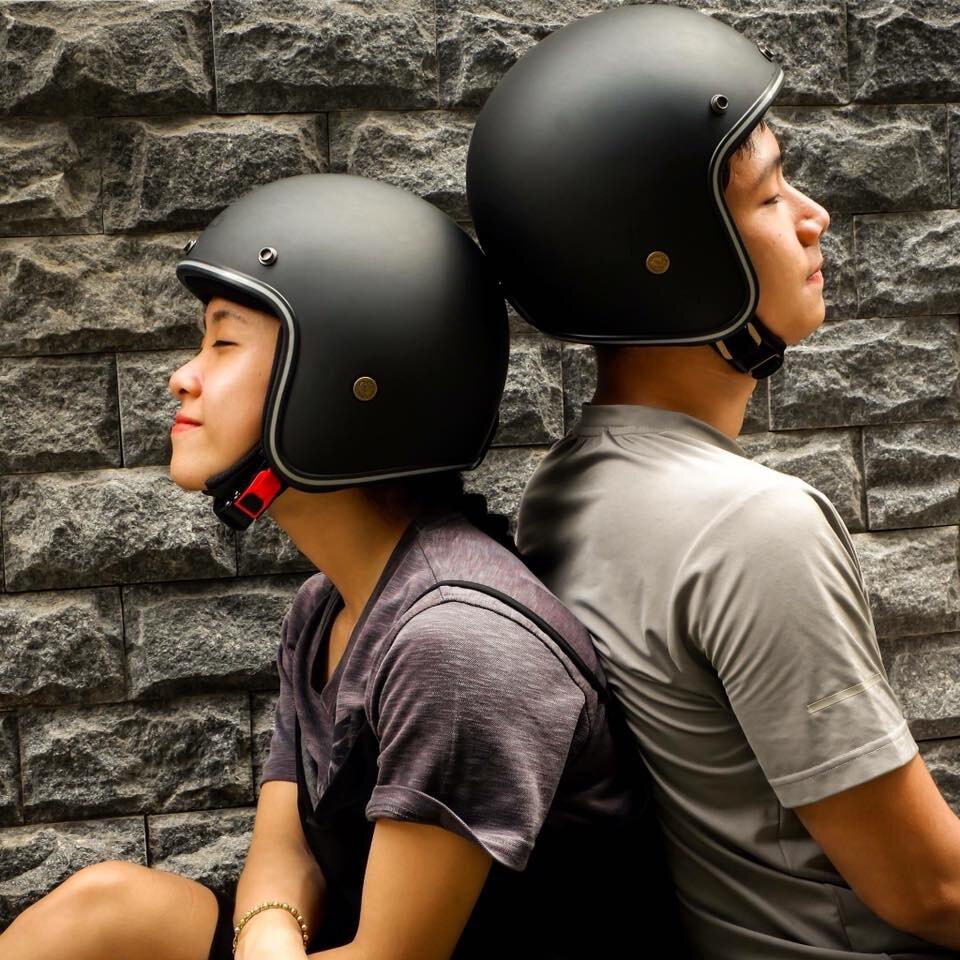 Mũ bảo hiểm đôi sẽ giúp cặp đôi gắn kết tình cảm của mình hơn