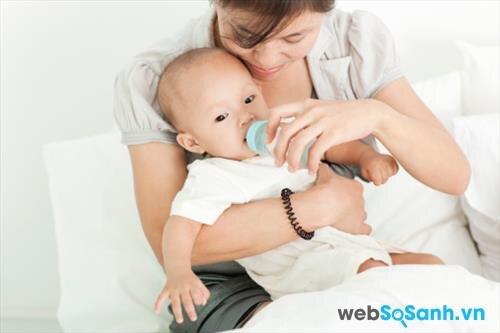 Sữa bột Physiolac số 2 giúp bé phát triển toàn diện