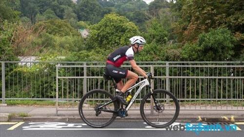 Tư thế đạp nghiêng 45 độ về phía trước sẽ tốt cho quá trình đạp xe