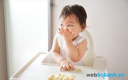Sữa bột Dumex Gold 3 giúp bé ăn ngon và tiêu hóa tốt