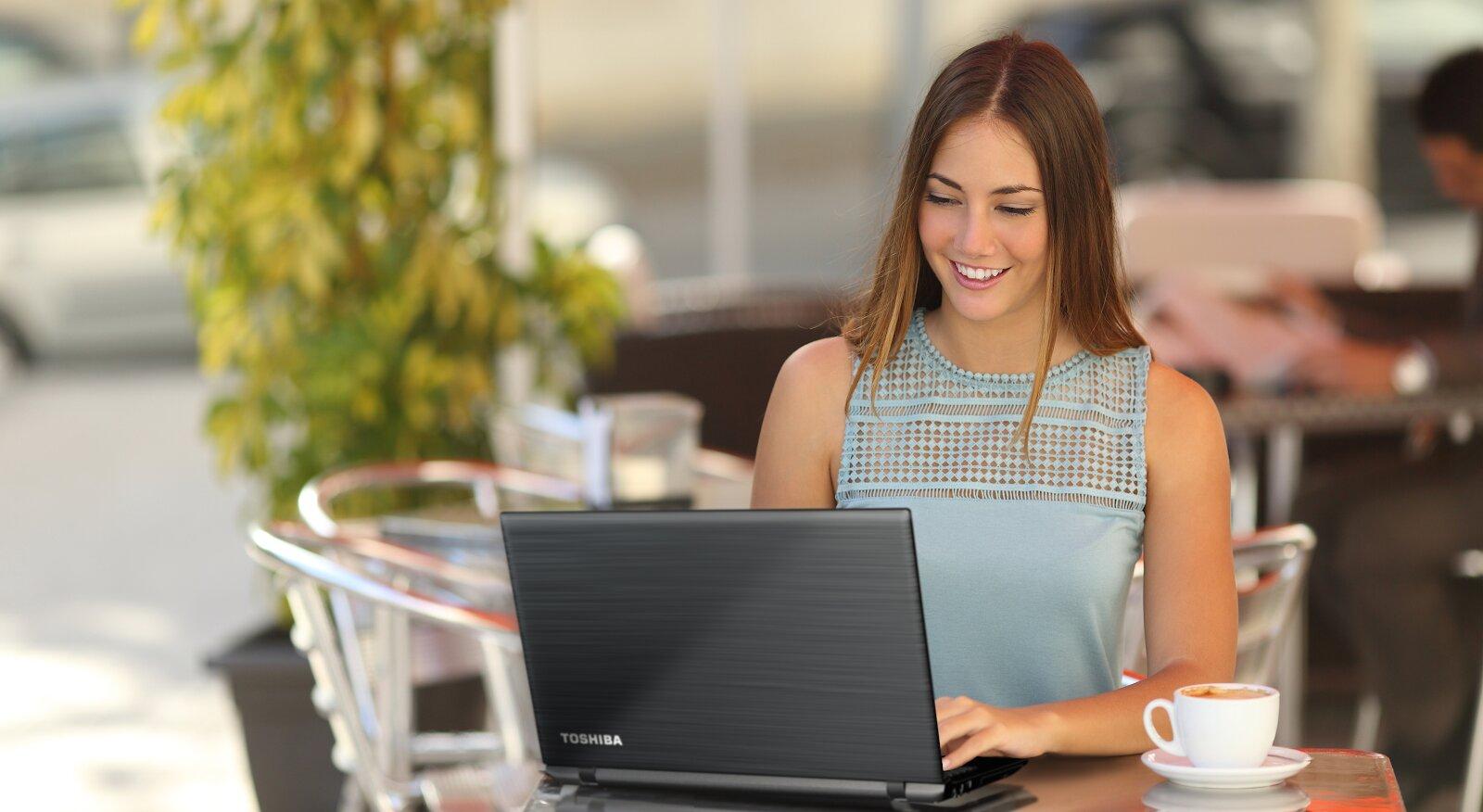 Laptop Toshiba phù hợp cho công việc văn phòng