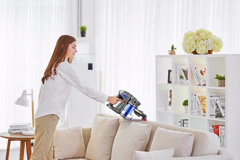 Máy hút bụi mini có thể sử dụng nguồn điện trực tiếp hay sử dụng pin để hoạt động
