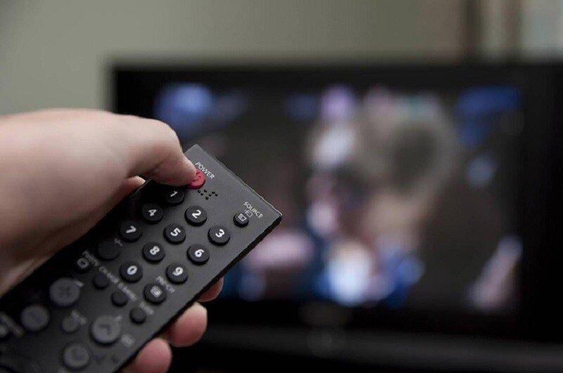 Tránh tắt mở tivi liên tục trong thời gian dài