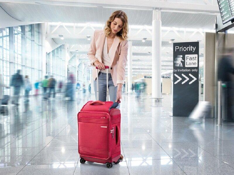 Kamiliant có 2 chất liệu chính là vali cứng và vali mềm