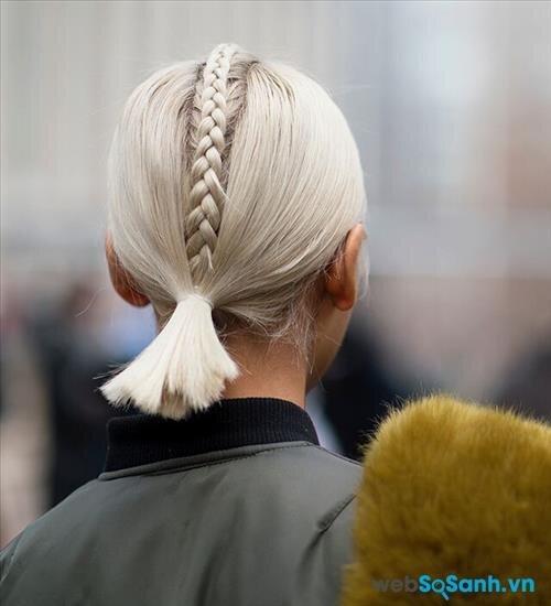 Còn đây có lẽ là kiểu tóc tết đơn giản nhất cho cô nàng tóc ngắn... Nhưng đơn giản đôi khi lại rất đẹp đúng không?