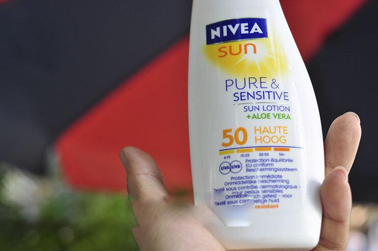 Kem chống nắng Đức Nivea Sun Pure chất kem mềm mịn, giúp bảo vệ và chăm sóc làn da hiệu quả dưới cái nắng của mùa hè