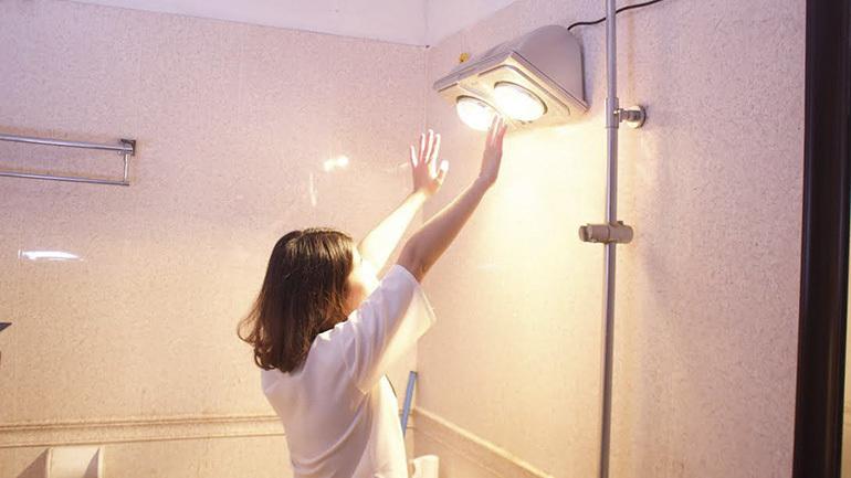 Sử dụng đèn sưởi nhà tắm có an toàn không ? Công dụng thế nào ?
